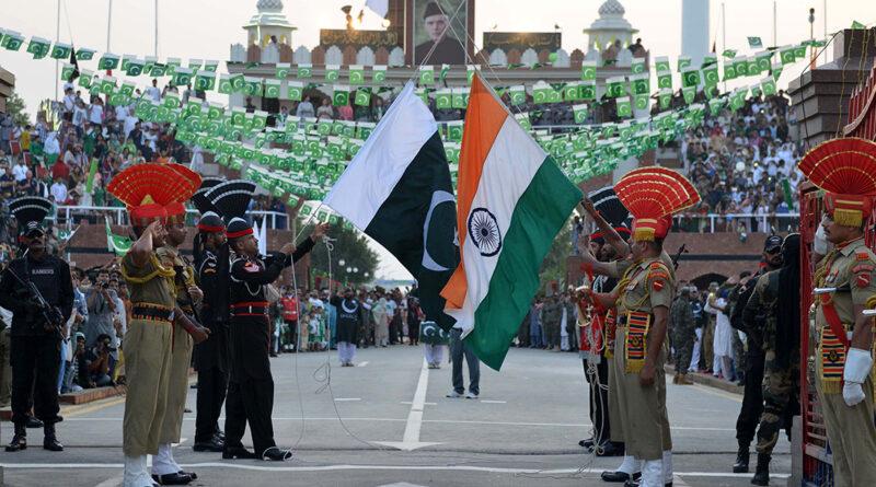 Co stojí za křehkým příměřím mezi Indií a Pákistánem?