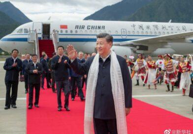 Čínský prezident navštívil poprvé za 30 let Tibet